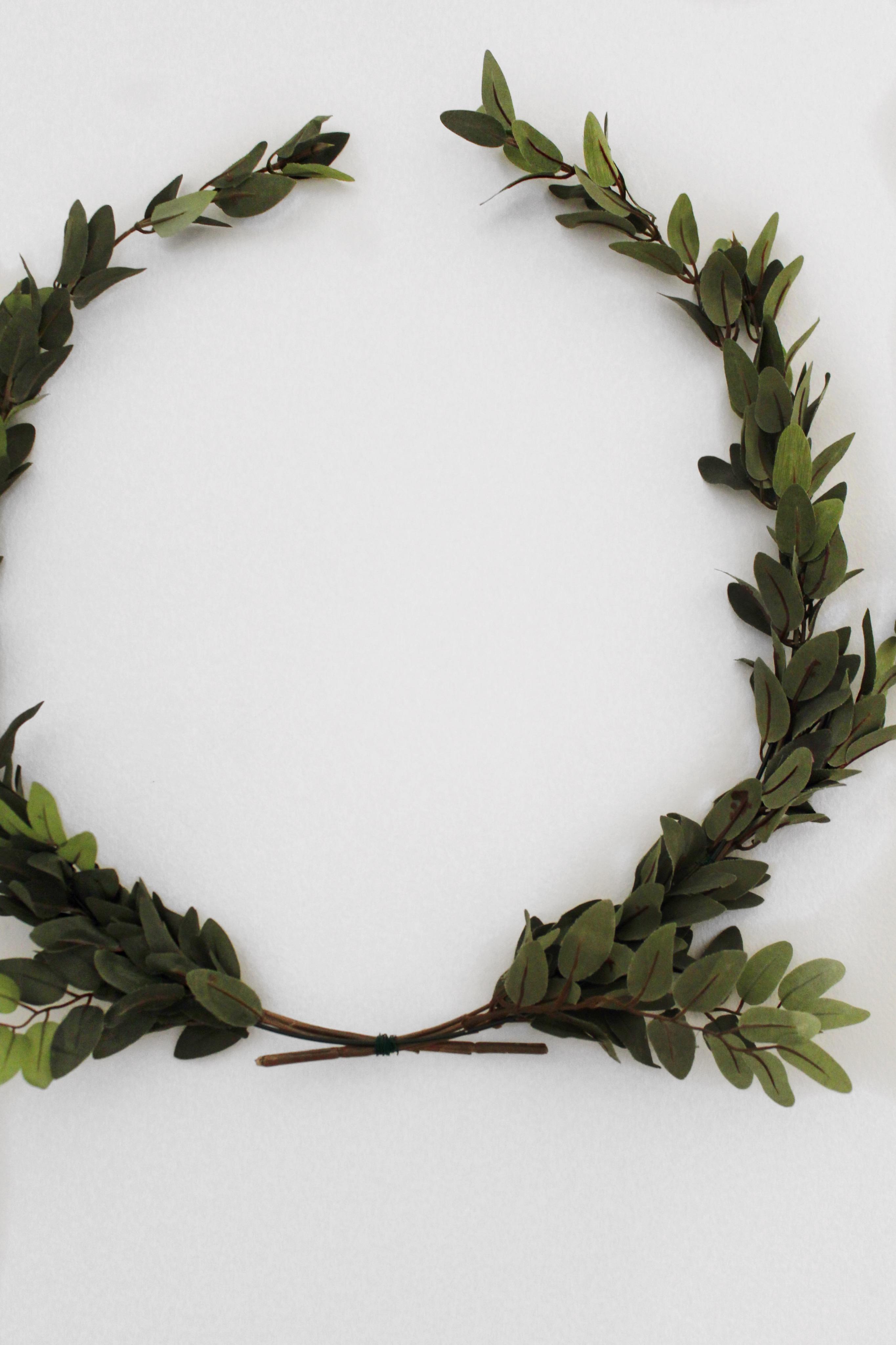 DIY Laurel Wreath